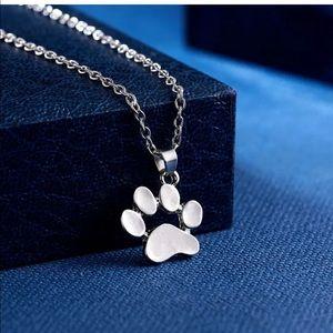 Jewelry - New cute dog paw print necklace